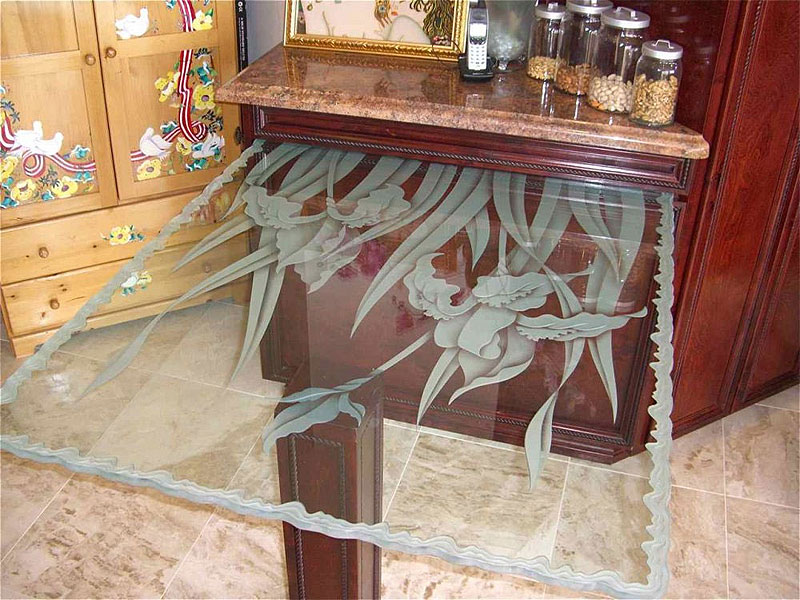 кухни с пескоструйной обработкой стекла